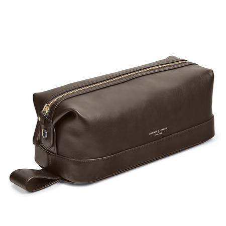 Men's Leather Washbag in Smooth Brown