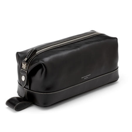 Men's Leather Wash Bag in Smooth Black