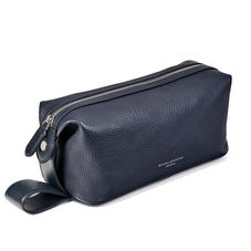 Reporter Wash Bag in Navy Pebble