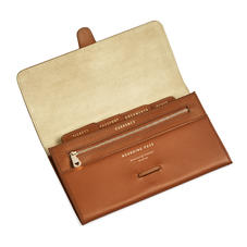 Classic Travel Wallet in Smooth Tan